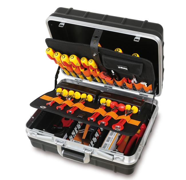 Tööriistakohver koos tööriistavalikuga elektri-ja elektrotehniliste tööde jaoks
